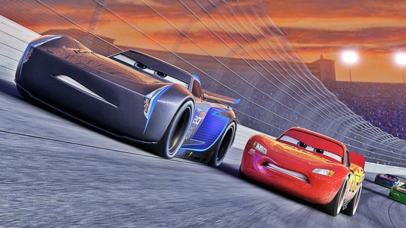 Una scena da Cars 3, il nuovo capitolo Pixar