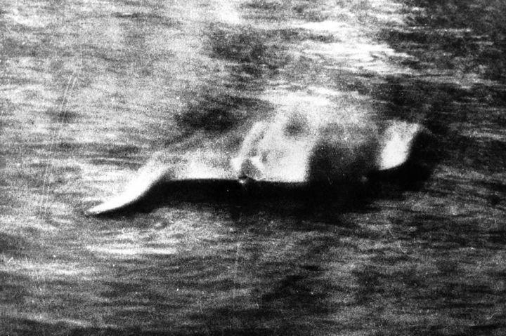 La foto di Hugh Gray che ritrae il mostro di Loch Ness