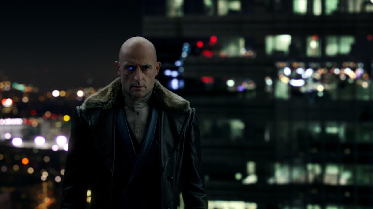 Mark Strong è il Dr. Sivana in Shazam!