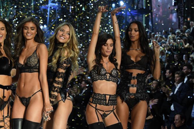 Le modelle protagoniste del Victoria's Secret Fashion Show 2016