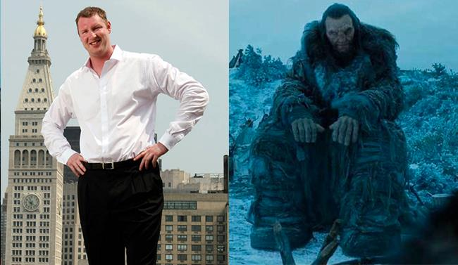 Neil Fingleton e il suo personaggio in Game of Thrones
