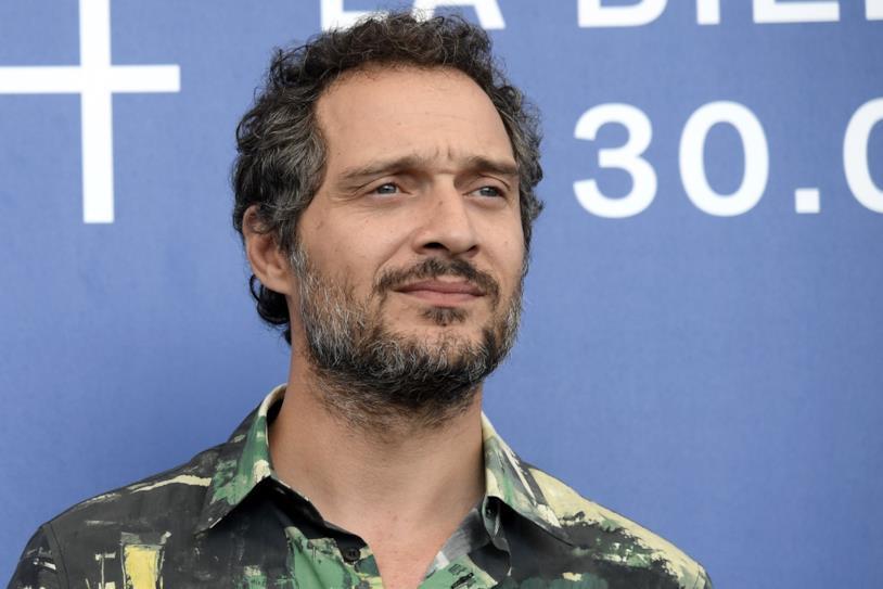 Claudio Santamaria protagonista del film Se ti abbraccio non avere paura