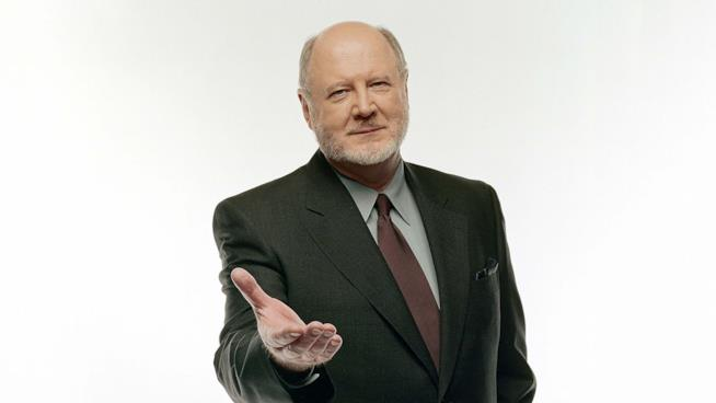 David Ogden Stiers in primo piano