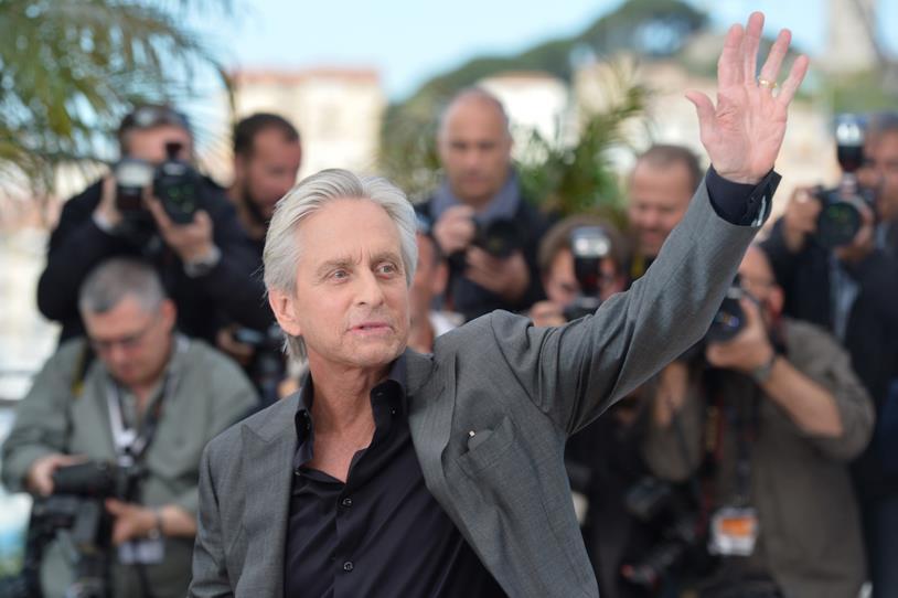 Mezzo busto di Michael Douglas al Festival di Cannes