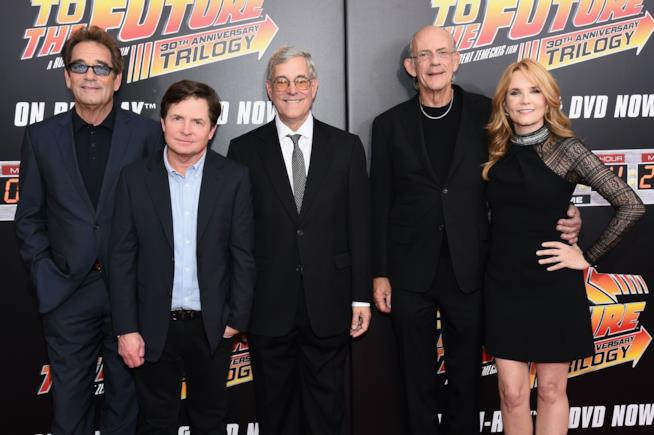 Huey Lewis, Michael J. Fox, Bob Gale, Christopher Lloyd e Lea Thompson