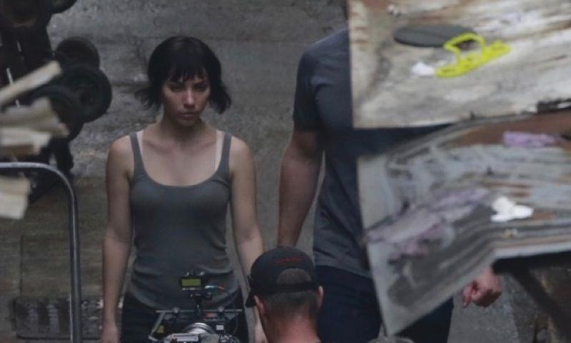 Scarlett Johansson nel ruolo del Maggiore sul set