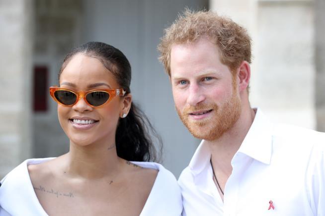 Primo piano di Rihanna e del Principe Harry