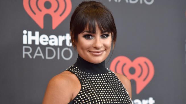 Lea Michele sorridente a un evento ufficiale
