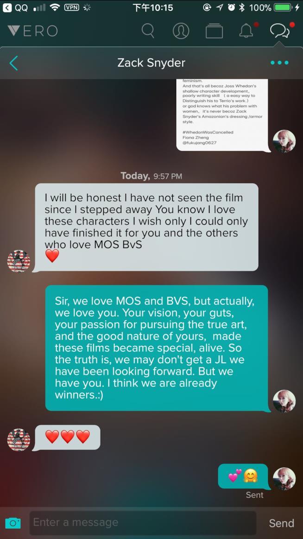Zack Snyder risponde ad una fan sulla messaggistica di Vero e ammette di non aver visto il film