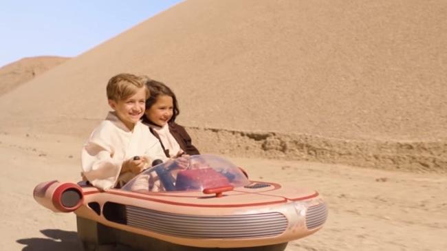 Star Wars da la possibilità ai bambini di giocare con le sue navi spaziali