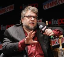 Guillermo del Toro durante una conferenza stampa