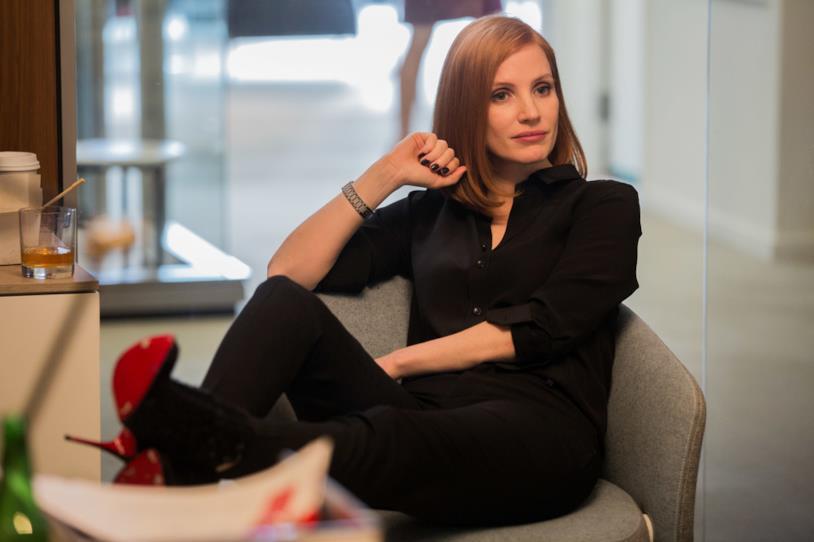Miss Sloane, la recensione del legal con protagonista una glaciale Jessica Chastain