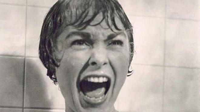 La famosa scena della doccia del film Psyco