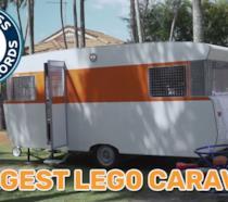 Primo piano del caravan costruito coi LEGO