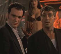 Tarantino, Clooney e Hayek in una scena di Dal Tramonto all'alba