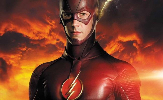 Flash indossa con il suo costume