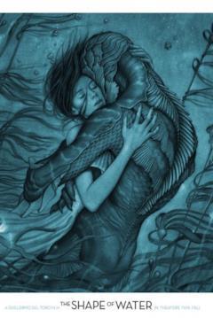 Elisa e la creatura si abbracciano