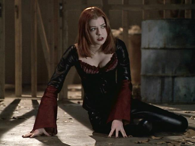 Alyson Hannigan in una scena di Buffy l'Ammazzavampiri