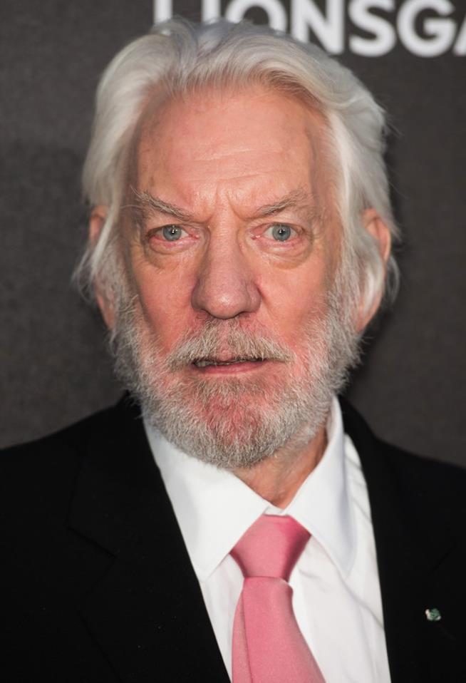 Donald Sutherland in primo piano
