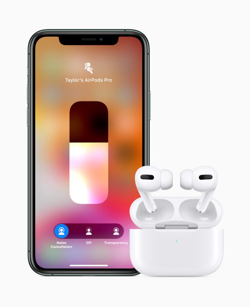 iPhone 11 Pro (sinistra) e AirPods Pro (destra)