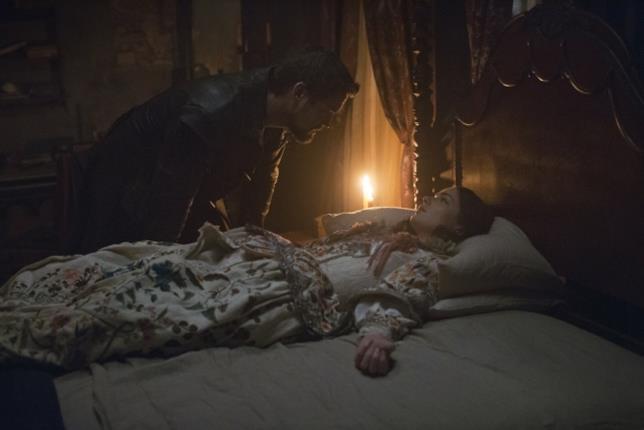 Shane West e Janet Montgomery interpretano John Alden e Mary Sible