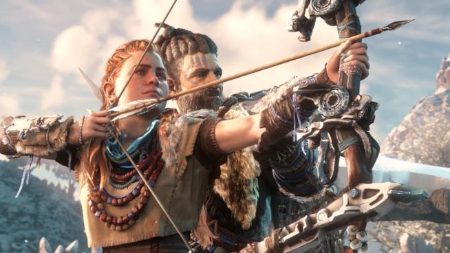 Aloy tende l'arco in uno screenshot di Horizon: Zero Dawn