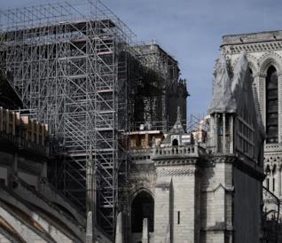 Notre-Dame dopo il rogo