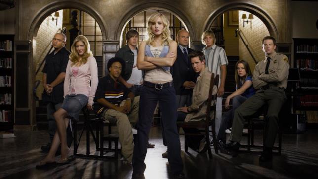 Veronica Mars e gli altri protagonisti della serie