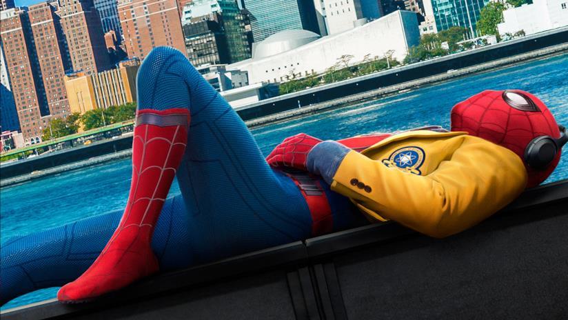 Spider-Man in un poster promozionale di Homecoming