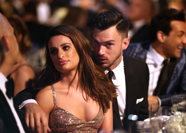 Primo piano di Lea Michele e Matthew Paetz