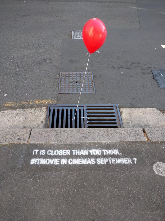 Sidney, palloncini rossi per il rilascio di IT
