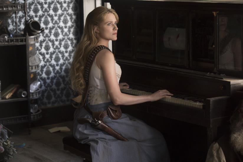 Dolores è interpretata da Evan Rachel Wood