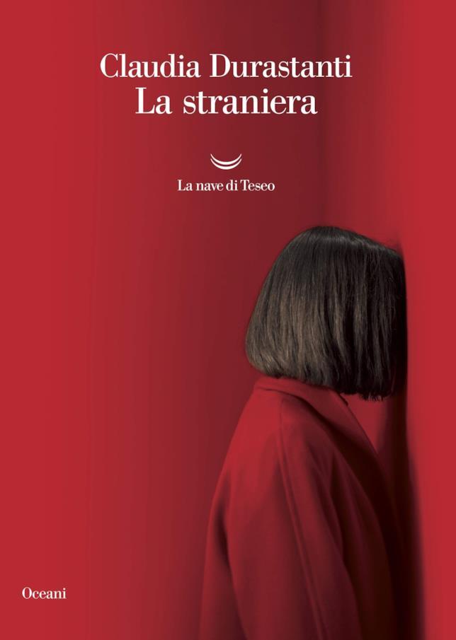 La copertina di La straniera