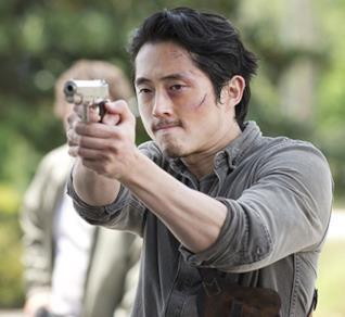 Glenn in una scena di The Walking Dead