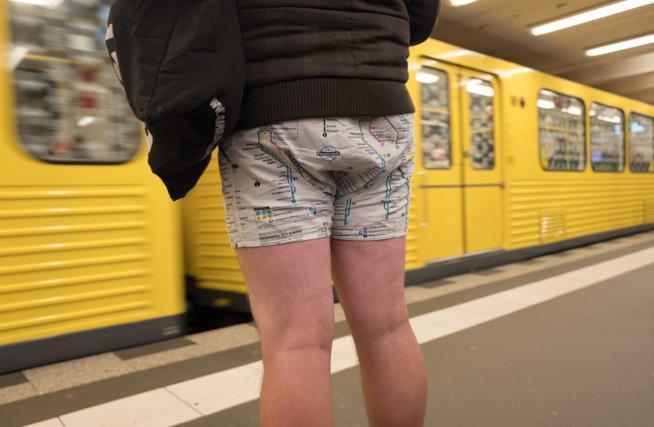 Primo piano di un partecipante in Germania al No Pants Day 2018