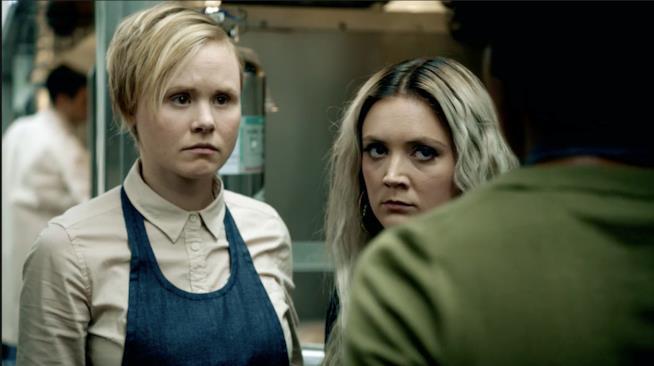 Ivy, Winter e Beverly in una scena della serie