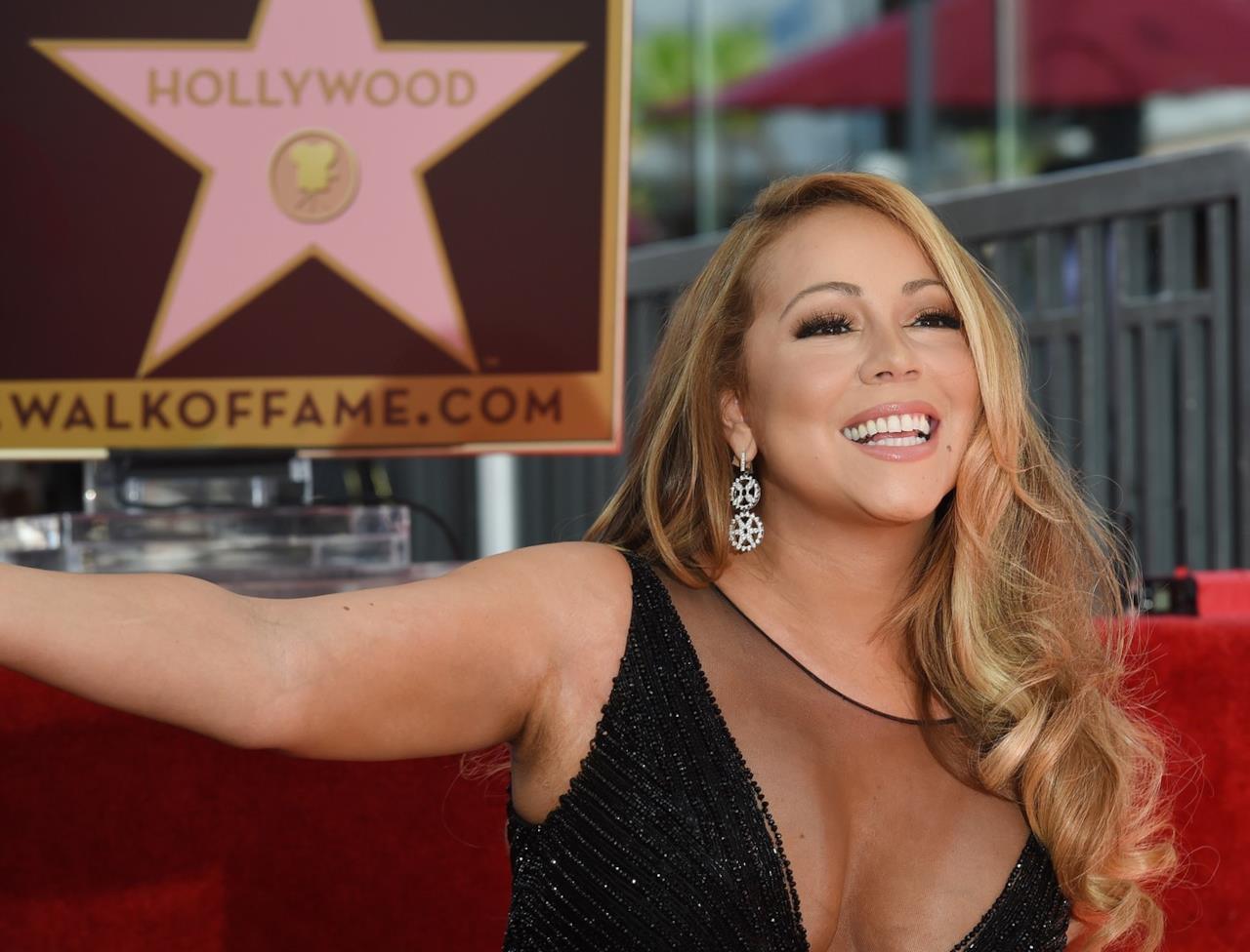 Mariah Carey alla cerimonia sulla Walk of Fame