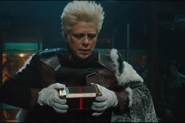 Il Collezionista di Benicio Del Toro prende in custodia l'Aether