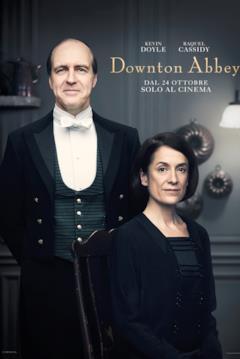 I personaggi di Joseph Molesley (in piedi a sinistra) e Phyllis Baxter (seduta a destra)