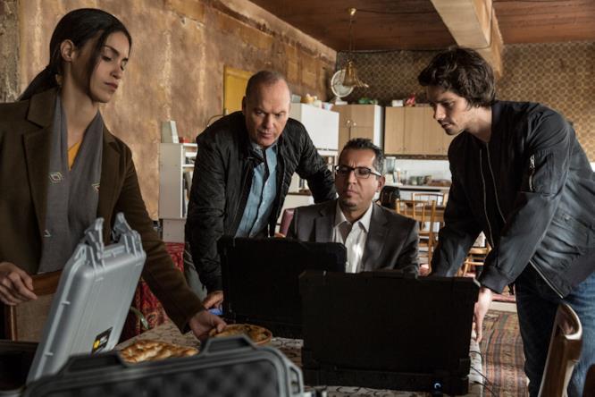 Scena tratta da American Assassin con Dylan O'Brien e Michael Keaton