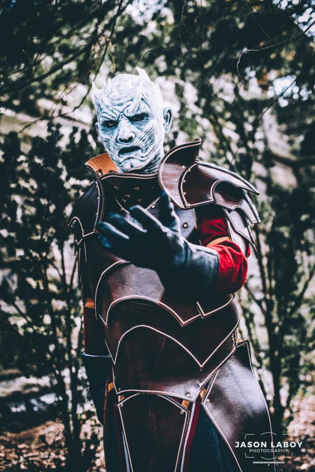 Un cosplayer del Re della Notte, presente alla proposta di matrimonio in cosplay