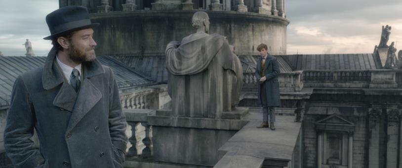 Albus Silente e Newt Scamander parlano sul tetto