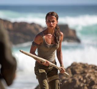 Alicia Vikander è Lara Croft in una scena del film