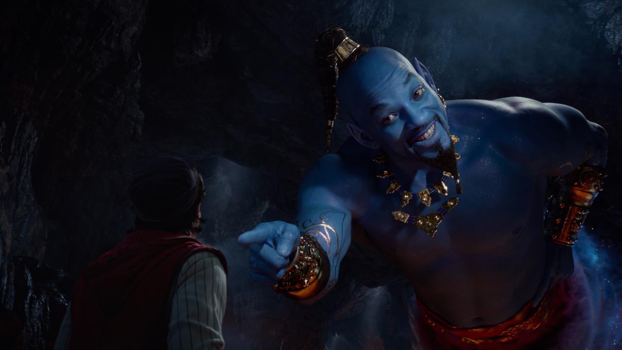 Il Genio incontra Aladdin nella Caverna delle Meraviglie