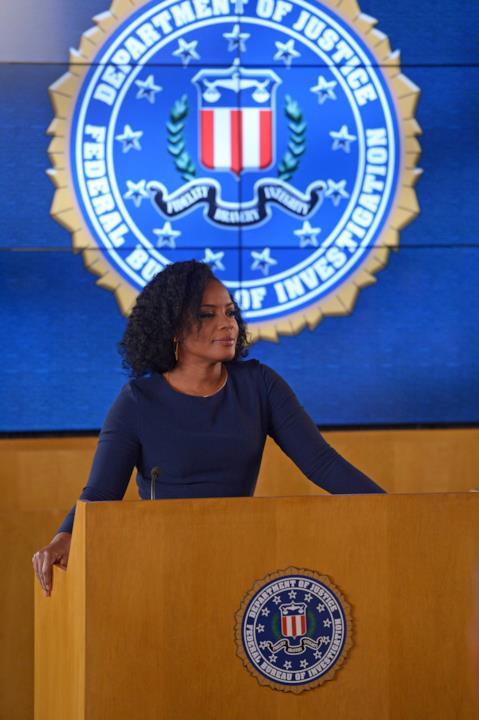 Miranda Shaw fa lezione all'accademia dell'FBI