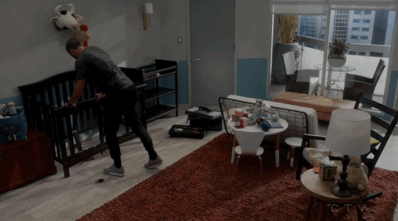 Avery distrugge la culla del piccolo Samuel
