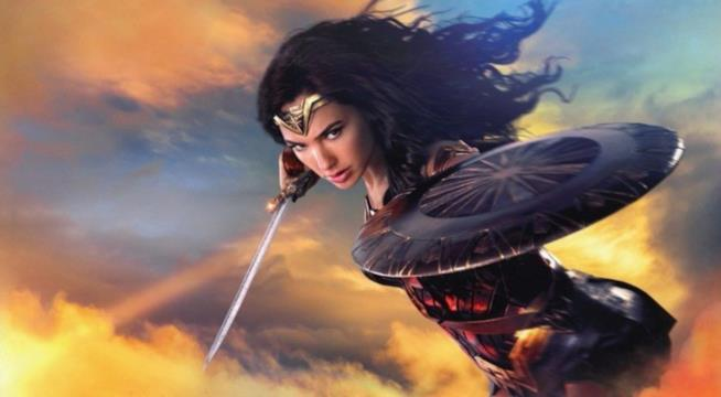 Gal Gadot veste i panni di Wonder Woman