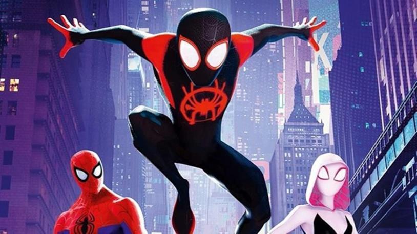 Tre versioni di Spidey in Spider-Man: Un nuovo universo