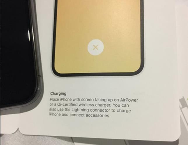 Foto del manuale per gli utenti di iPhone XS