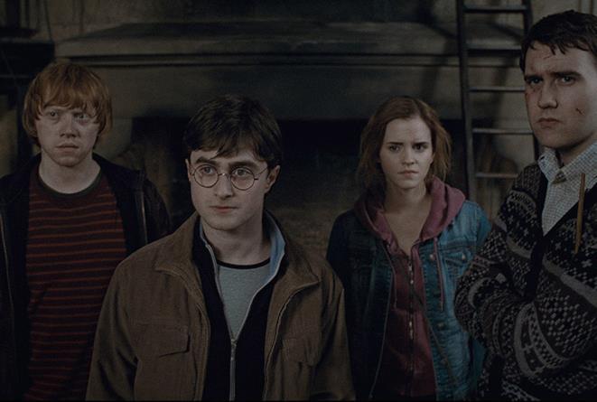 Harry, Ron, Hermione e Neville in Harry Potter e i Doni della Morte